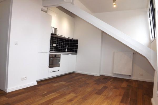 3 recent totaal gerenoveerde appartementen pal in het centrum van Ekeren