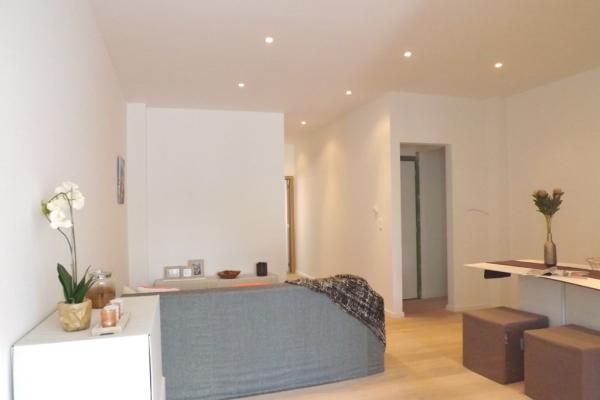Prachtig gerenoveerd gelijkvloersappartement met 2slpk en tuin