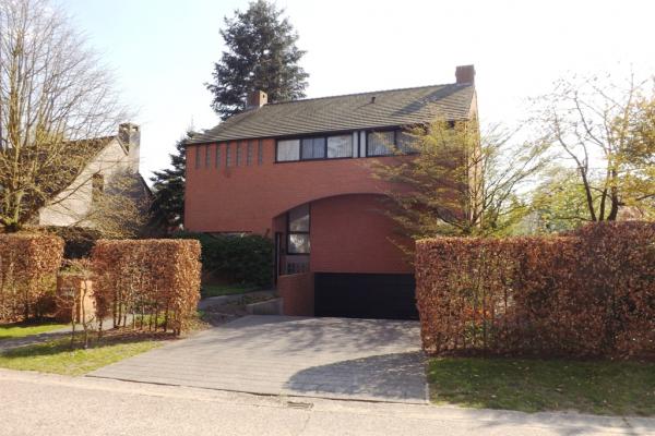 Prachtige villa in het Hertebos te 's Gravenwezel nabij het centrum